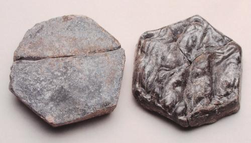 Corvey; Klosterkirche: römische Glasfliesen; laut Katalogtext: zweitverwendete römische Produktion, Quelle: S/W