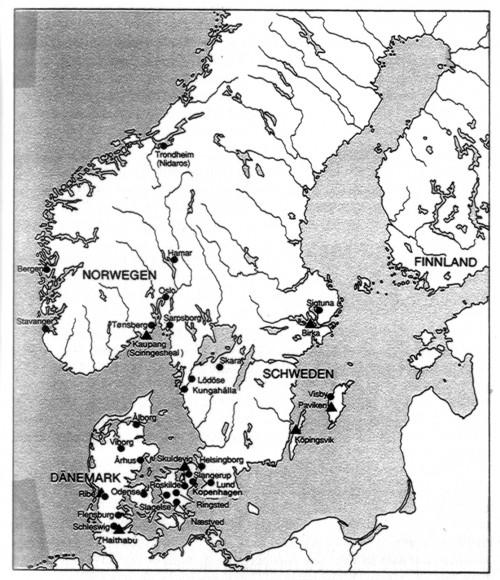 """""""▲Internationale Handelsplätze des 9. Jhs. im Norden • Städte im Norden um 1200. In Finnland, Island, den Färöern und Grönland gab es zu jener Zeit keine Städte. Während des gesamten Mittelalters war Trondheim die nördlichste Stadt Skandinaviens"""" [Roesdahl, 130]. Den Plätzen des 9. Jh. können kaum Fundstücke zugeschrieben werden."""