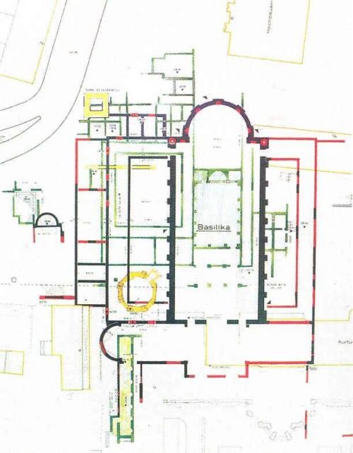 """Abb. 3: """"Die Archäologischen Befunde der Basilika und ihrer Vorgängerbauten"""" (Aula Palatina, 4. Jh., darunter planierte ältere Gebäude) [K. 140]"""