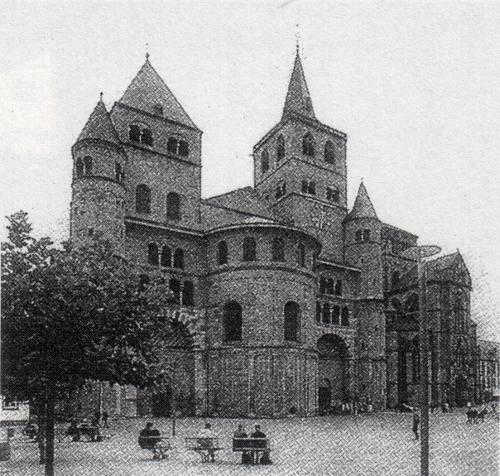 Trierer Dom und Liebfrauenkirche von Nordwesten, Blick über den Domfreihof [Kuhnen 115]