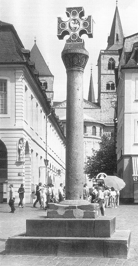 """""""Hauptmarkt, Marktkreuz"""" [Trier 245] mit """"ottonischem"""" Dom [Trier 244]"""